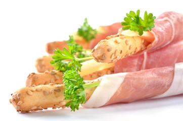 Sesamgrissini mit Parmaschinken