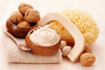 walnut body scrub