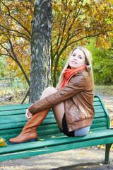 girl with autumn