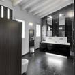 bagno moderno nel sottotetto