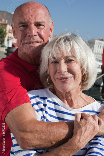 couple senior moderne