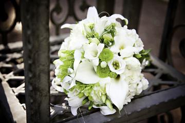 weiß grüner Brautstrauß