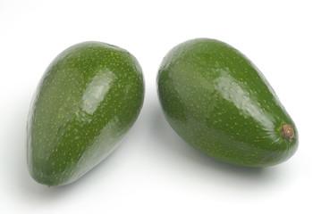 Dos aguacates verdes