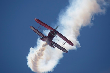 airplane performig in airshow