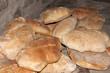 Hogazas de pan tostado recien horneadas