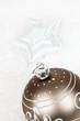 boule de Noel grise