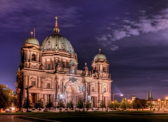 Berliner Dom am Abend - 3