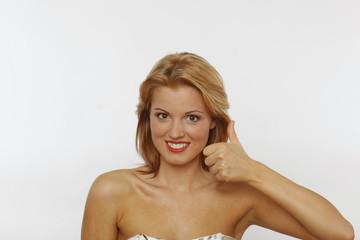 Junge Frau, 18-25, blond