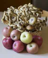 mele e funghi