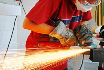 grinder metal worker