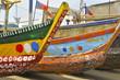 Leinwanddruck Bild - Bunt bemalte Boote am Ufer
