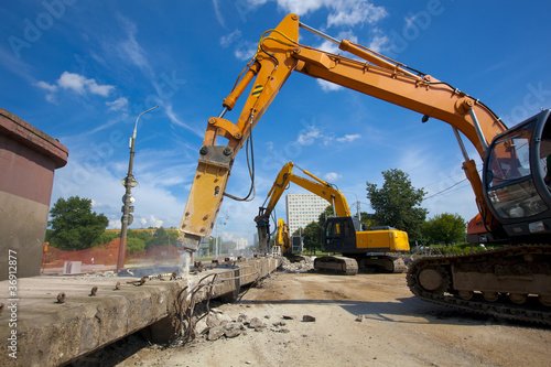 Commercial Demolition with Hydraulic Crushing Hammers