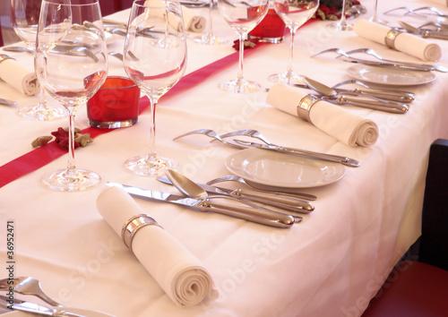 Gedeckter Tisch - 36952471