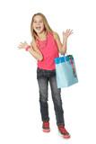 Jeune fille avec sac cadeau