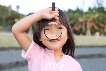 虫眼鏡ガール