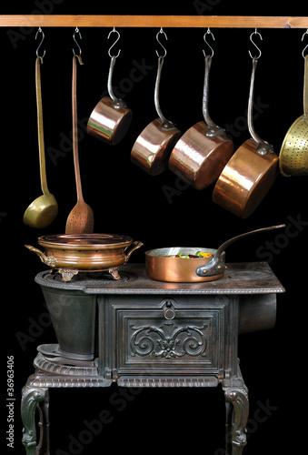 casseroles et ustensiles de cuisine en cuivre photo libre de droits sur la banque d 39 images. Black Bedroom Furniture Sets. Home Design Ideas