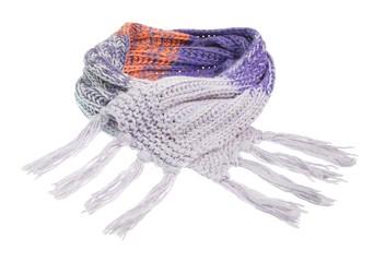 Handgestrickter Schal mit Fransen