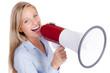 geschäftsfrau macht durchsage mit megafon