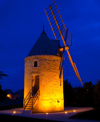 moulin de nuit