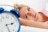 Osoba koja shvata da je zrtva ujeda stenicama ne spava redovno,redovan san je prekidan cestim brigama i depresivnim stanjima.Sve to rezultuje kod odraslih osoba veliki gubitak samopouzdanja,pad efektivnosti na poslu i odsustvo normalne komunikacije sa ostalim clanovima porodice.