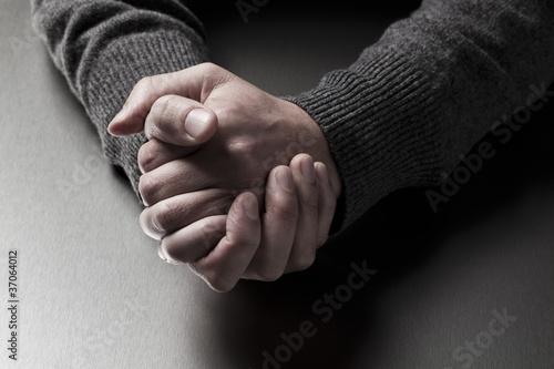 tenir ses mains