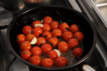 Tomaten in der Bratpfanne
