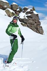 Sport d'hiver : Skieuse