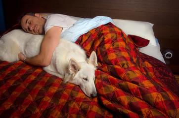 dormire abbracciati