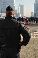 Manifestation surveillée par la police