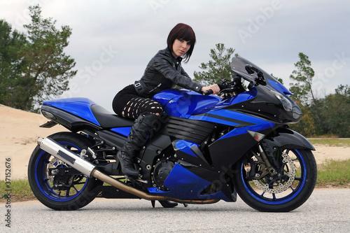 Das blaue Motorrad