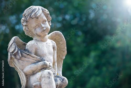 Engel im Lichtschein