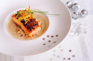 pavé de saumon, julienne de légumes