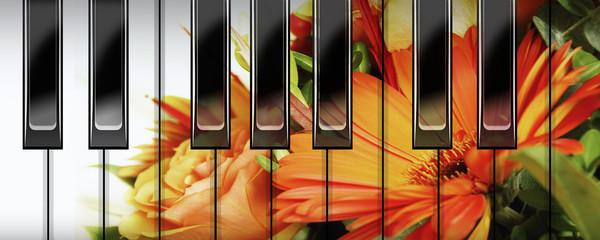 klavier und blumen