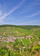 der bekannte Weinort Mayschoss im Ahrtal