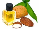 Mandelöl und Mandeln