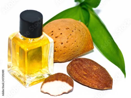 Mandelöl und Mandeln - 37292481