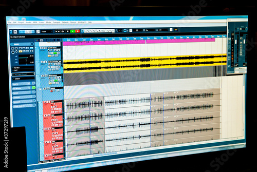 sound recording - 37297219