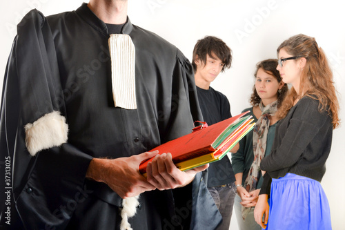 Leinwanddruck Bild Justice - Avocat et adolescents