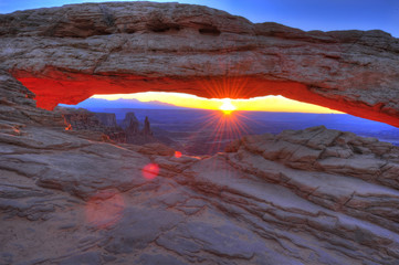 mesa arch sunrise , canyonlands national park, moab, utah