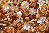 Gingerbread cookies and spices - 37320277