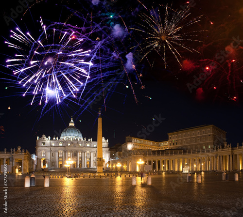 Vatican.Celebratory fireworks over a St Peter's Square.. - 37329668