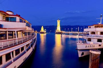 Hafen von Lindau am Abend