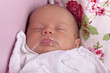Baby nach dem Stillen -- satt und glücklich