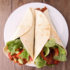 fajita burrito with beef,and vegetable