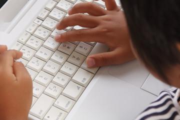 パソコン児童