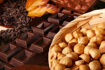 Nocciole con cioccolata fondente