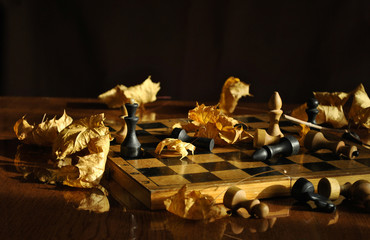 Chess and maple leaves