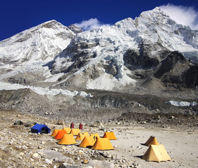 Picturesque Himalaya landscape whith tents.