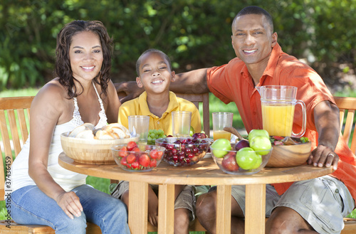 African American Family Healthy Eating Outside