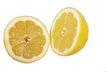 zwei Zitronenhälften